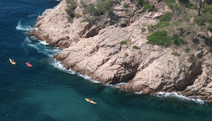 Costa Brava - Kayaking by the cliffs